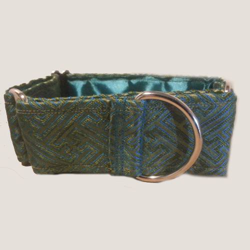 martingale collar how to use